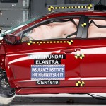 2017-hyundai-elantra-iihs-crash-test-1
