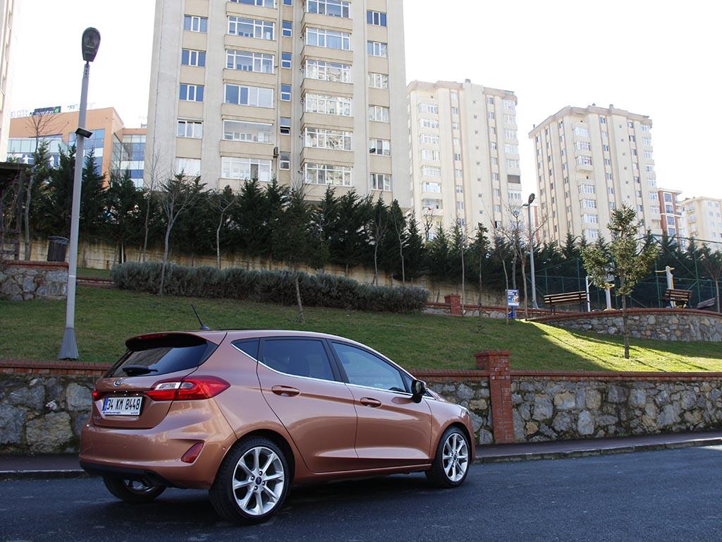 Ford Fiesta 1.5 TDCi Titanium yol tutuş